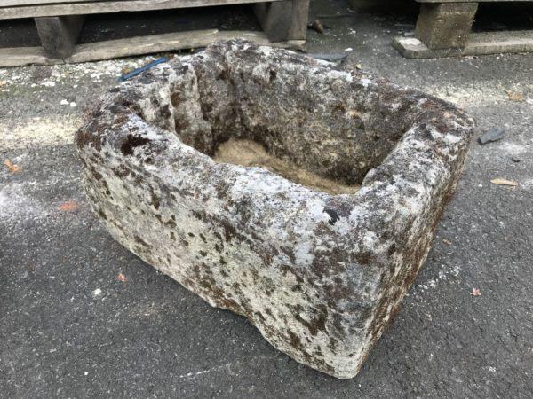 petit bac en pierre calcaire