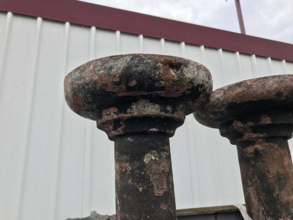 poteau ancien en fonte
