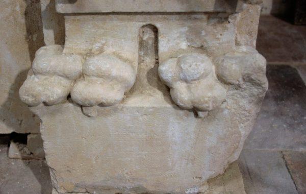 pied cheminée ancienne