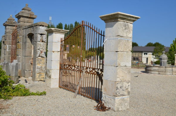 pilier en pierre pour portail