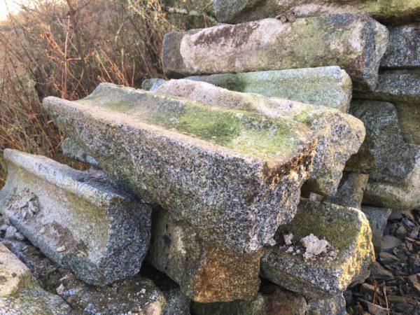 le stock de caniveau en pierre granit