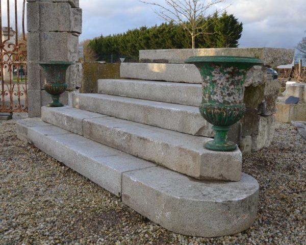 Marches anciennes exterieur pierre ancienne