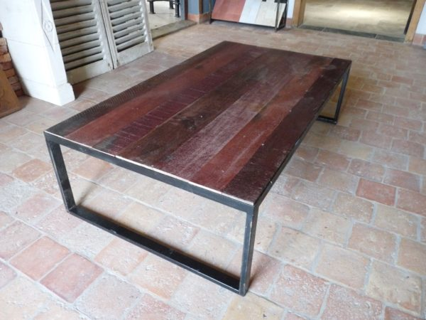 grande table basse rectangle rouge