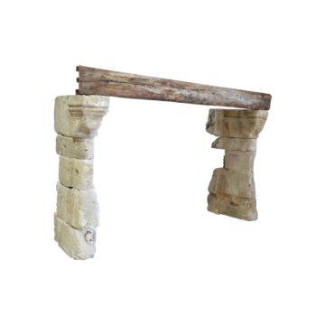 cheminé en pierre ancienne et bois