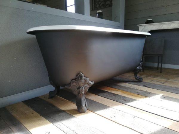 style de baignoire ancien noir et blanc