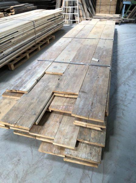 stock numero 1 de plancher ancien sapin