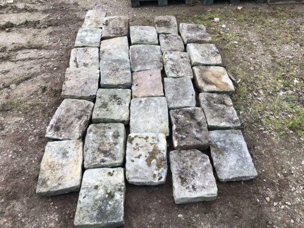 dalles anciennes de récuperation en grès ancien