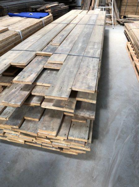 stock numero 2 de plancher ancien sapin