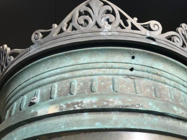 details de notre lampadaire vert de paris