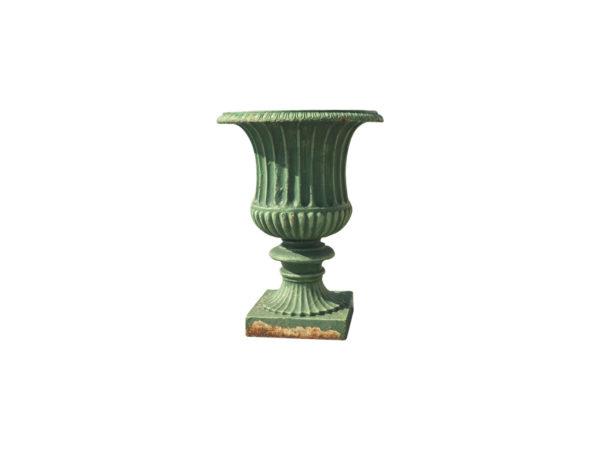 paire de vase ancienne en fonte vert détouré