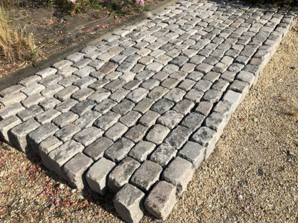 oavé en granit ancien de france