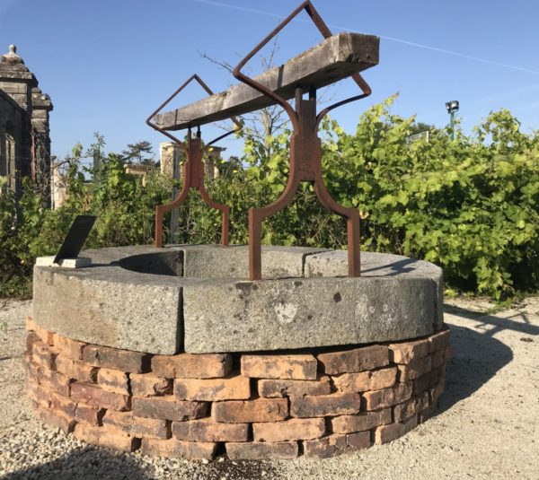 puits ancien datant du 19ème siècle