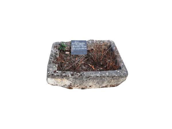 auge rectangulaire ancienne en pierre