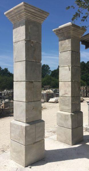 paire de piliers classique beige