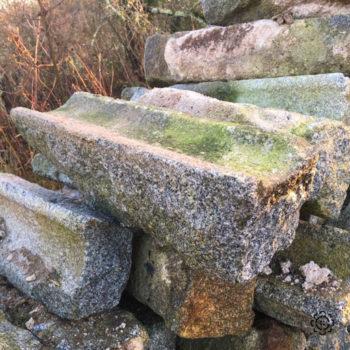 caniveau en granit parfait pour la renovation d'une ferme