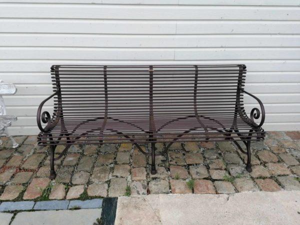banc ancien avec 4 places assises en métal