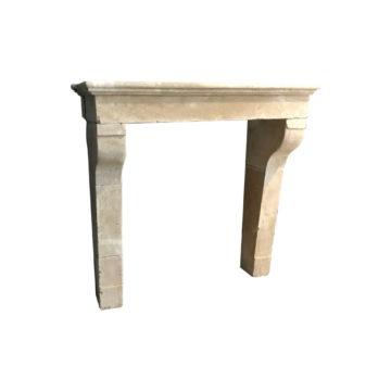 cheminee ancienne de France en pierre calcaire beige