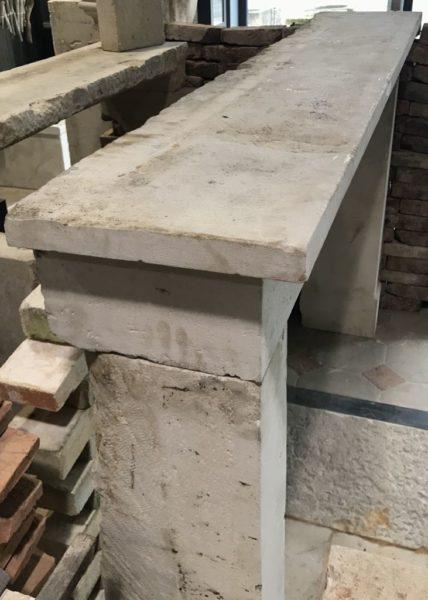 haut de la cheminée en pierre