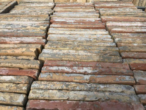 grand lot de tomettes anciennes carrées grosse quantités