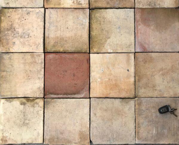 tomettes anciennes carrées de BCA Matériaux anciens