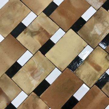 parefeuille avec deux briques émaillées
