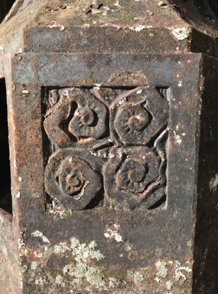 details du lampadaire anciens durenne