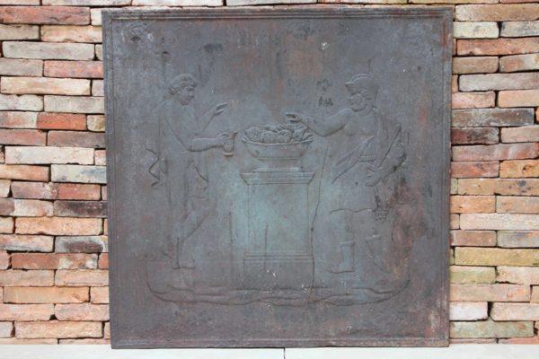 plaque de cheminée de forme carré ancienne