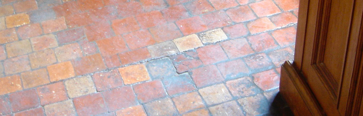 sol en terre cuite ancien au château de chenonceau