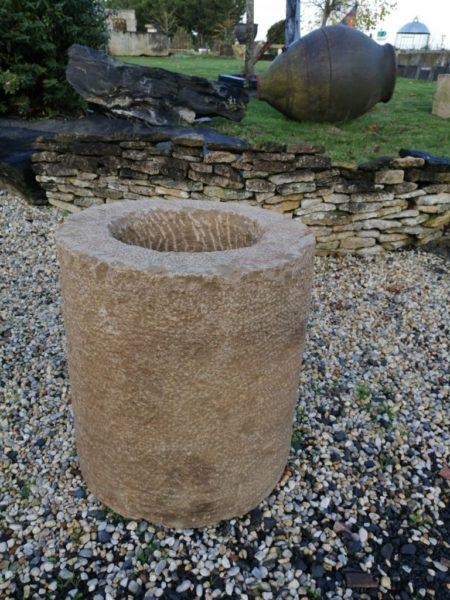 bac à fleur en pierre rustique