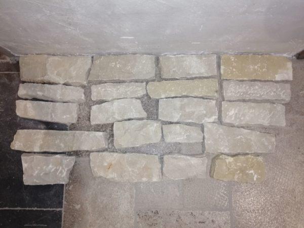 parement beige en pierre calcaire