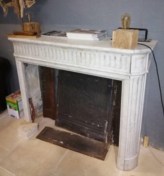 cheminée en marbre blanc de récuperation BCA