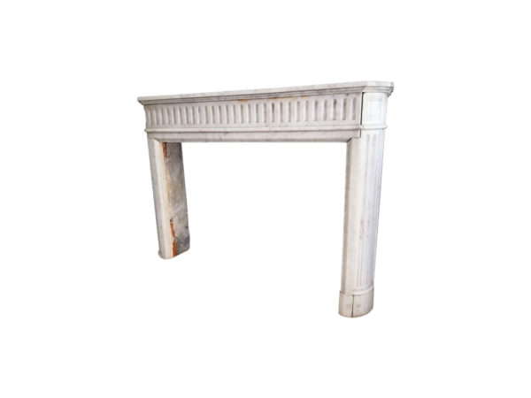 cheminee en marbre blanc ancienne de recuperation