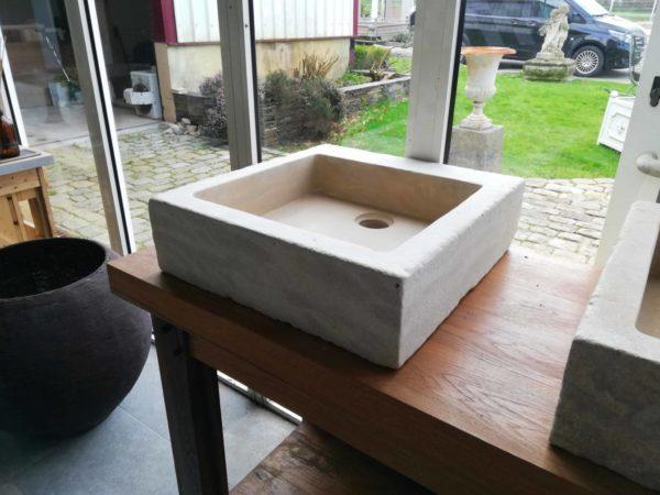 évier mera beige en pierre naturelle de forme carré