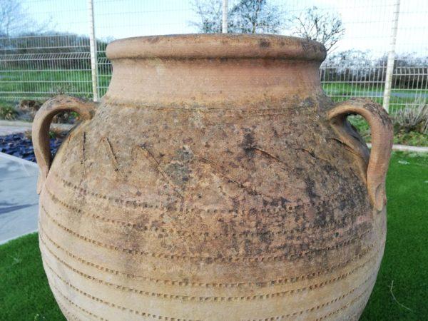 jarre en terre cuite avec anses