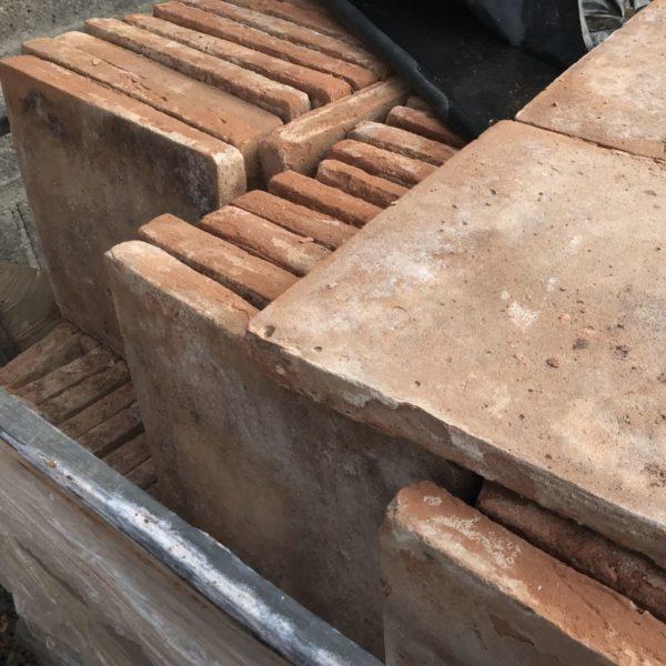 grands carreaux de terre cuite de récupération