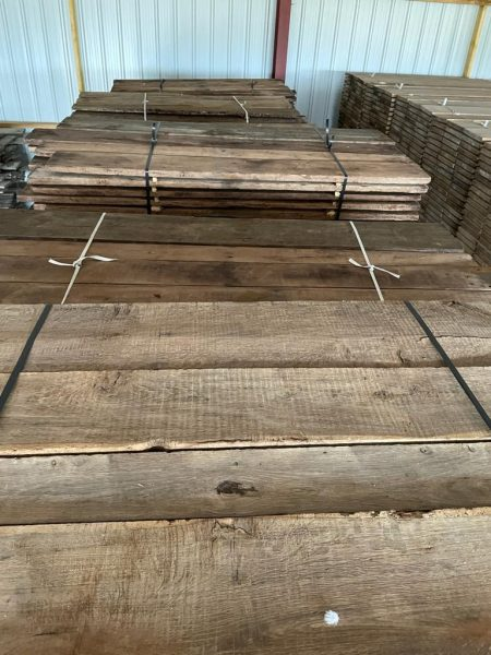 Stock de vieux chêne pour plancher fromage