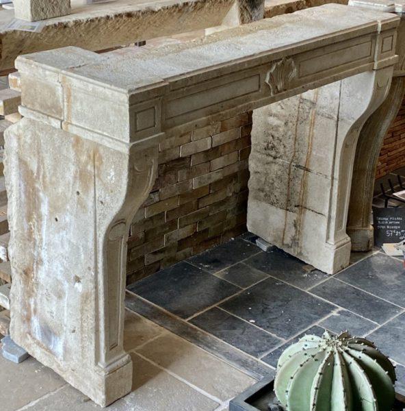 cheminée régence du XVIII ème au style louis XIV