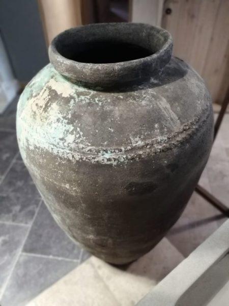 jarre avec vieille patine en terre cuite format 1