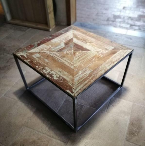 table carrée en métal avec bois teck
