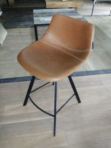 chaise haute en cuir et métal