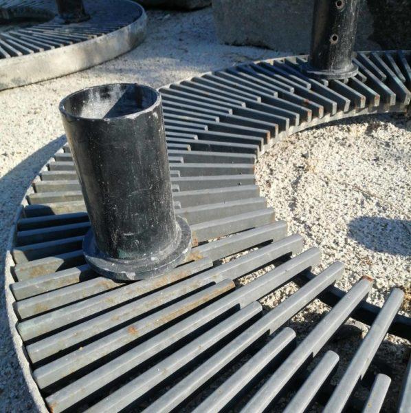 détails d'un pilier du tour d'arbre