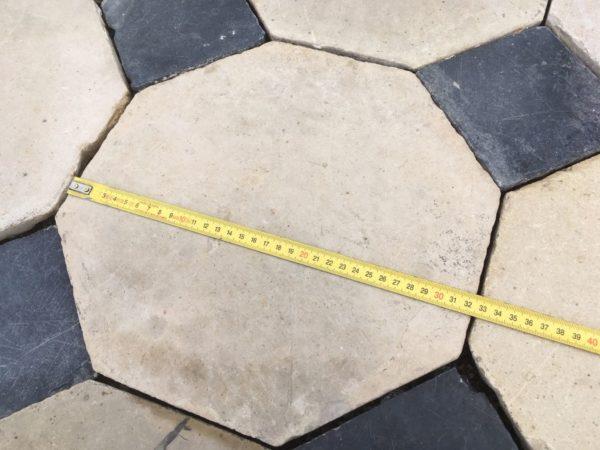 largeur de la dalle ancienne à cabochon