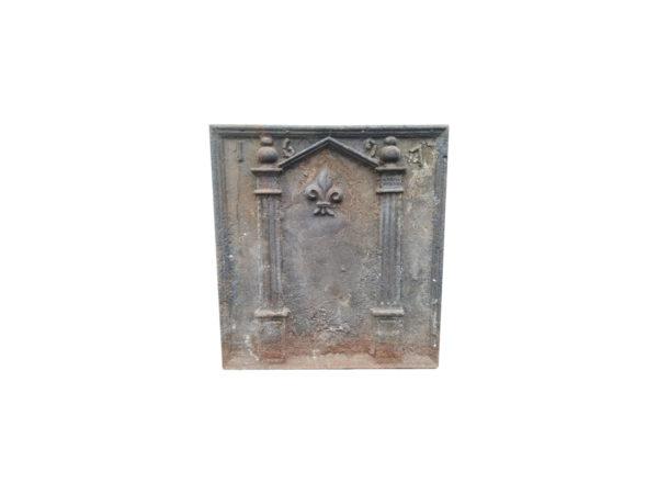 plaque ancienne de cheminée datée de 1691