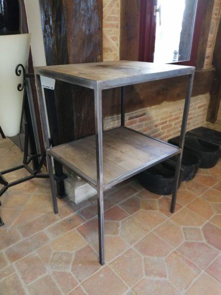 étagère avec deux plateau en métal