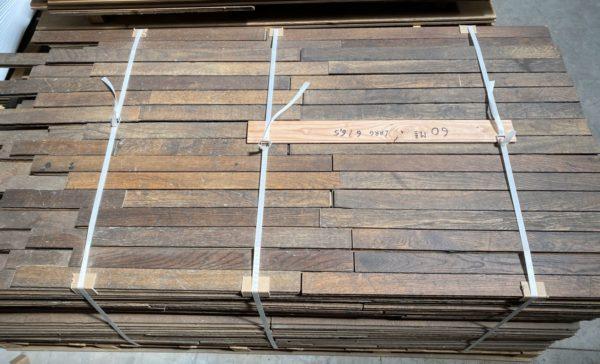 stock du parquet en chene ancien de 60m2