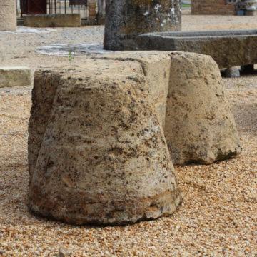 chasse roue conique en pierre calcair