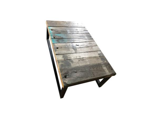 table basse avec des traverses de chemin de