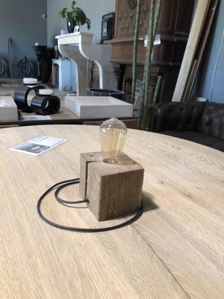 lampe à filament base poutre ancienne