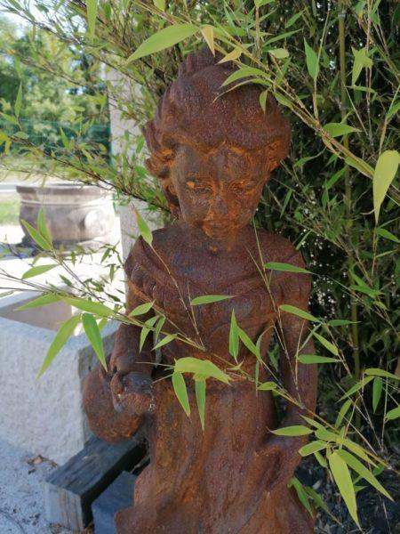 statue d'une jeune fille de 64cm