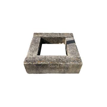 tour d'arbre en pierre